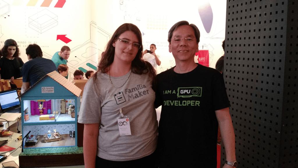 Fukuda e Carla Barcellos no Arduino Day 2017.