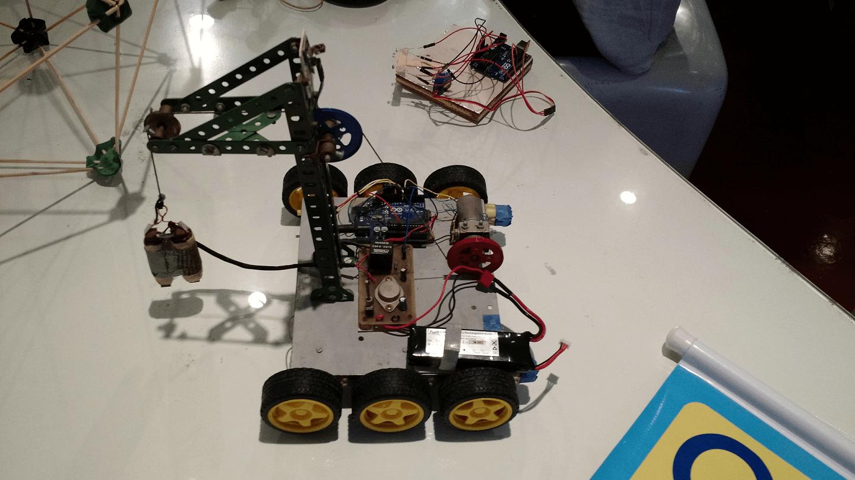 Robô apresentado no Arduino Day 2017.