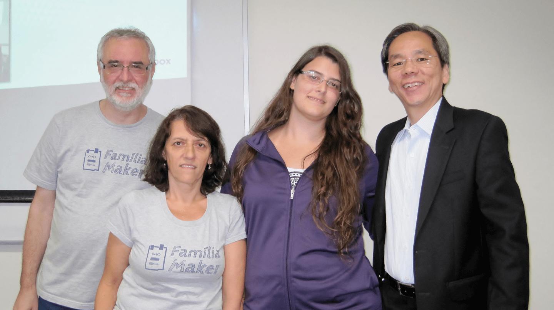 O evento contou também com as presenças e participações da Carla Barcellos, Aluna do Curso de Ciência da Computação no Campus Tijuca da UVA, Rita Cássia e Cid Rodrigo Barcellos Filho, Membros da Família Maker.