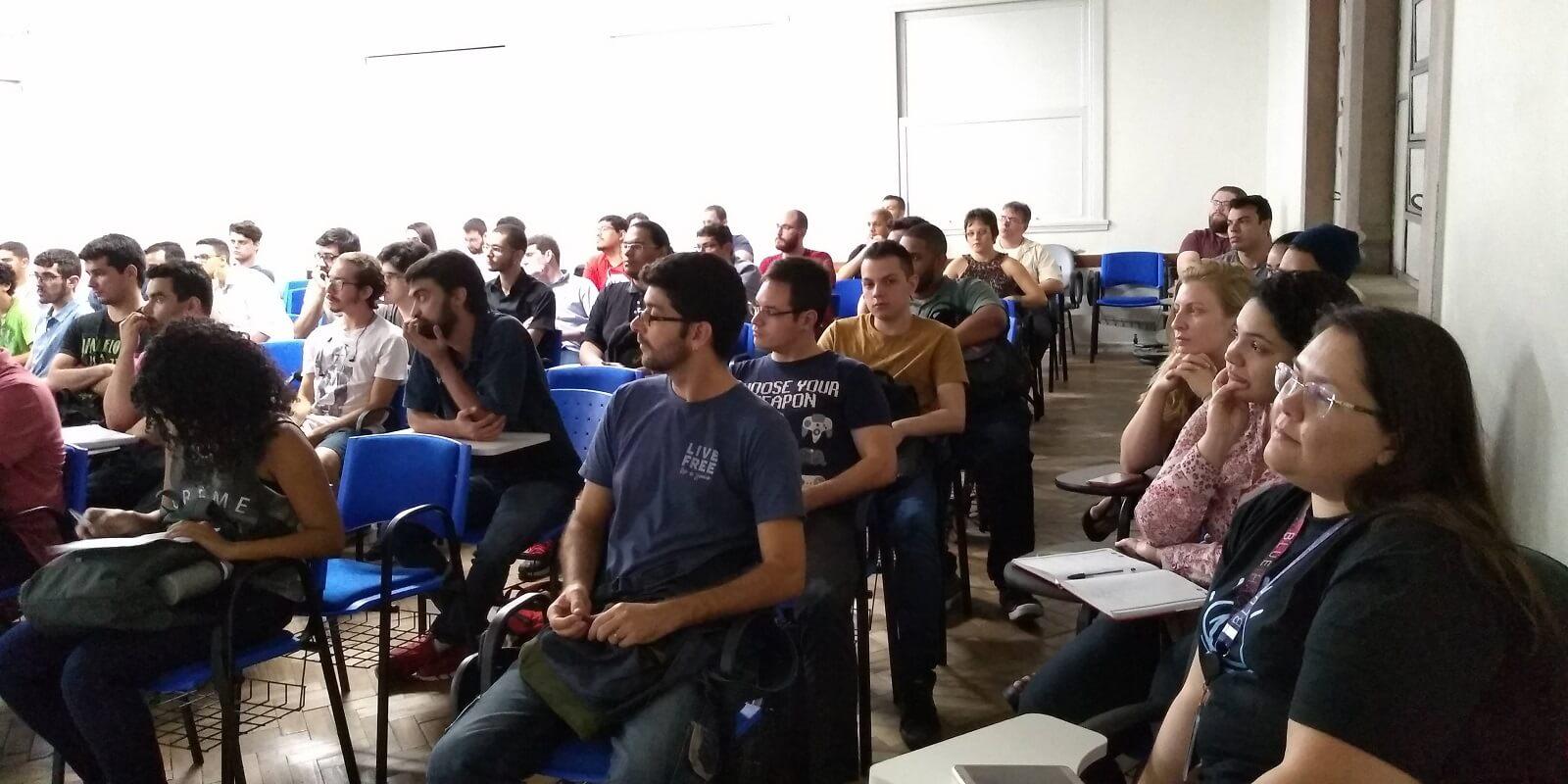 Os participantes assistiram com muito interesse às brilhantes palestras doGuilherme Caseirae doFelipe Rondon Rocha.