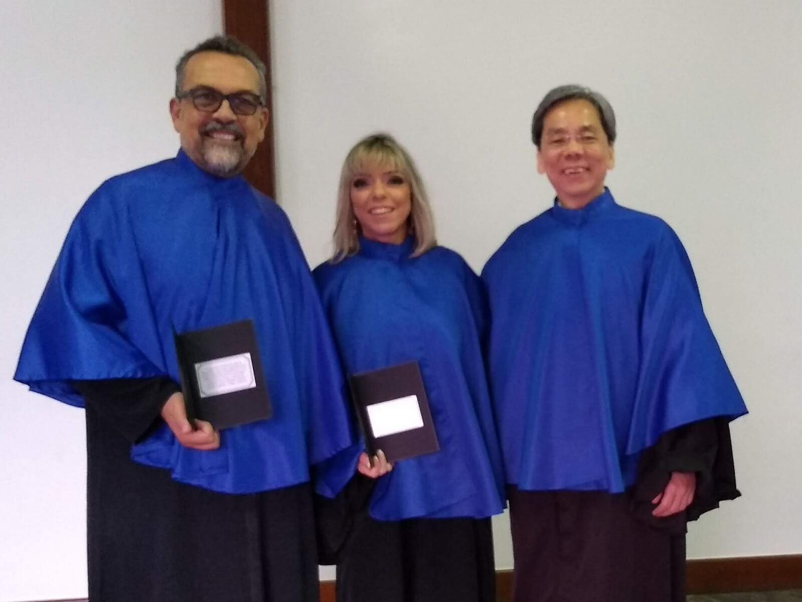 O Prof. Dr. Eng. Fernando Hideo Fukuda, CEO na Fukuda Solutions, celebrou com a Prof.a. Camilla Lobo Paulino e o Prof. Carlos Alberto Alves Lemos, as Homenagem dos Formandos em 2018-1 em Ciência da Computação, durante a Solenidade de Colação de Grau.